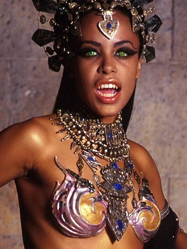 Aaliyah in Queen of the Damned (2002)