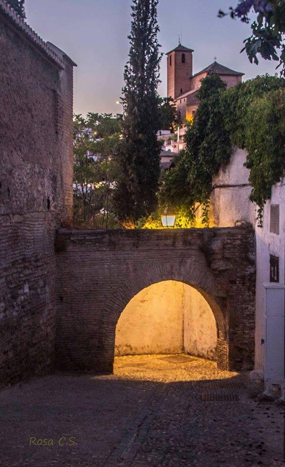 Callejón de las Monjas (Albayzin de Granada-España)