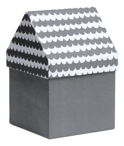 Dunkelgrau/Gemustert. Aufbewahrungsbox aus Pappe. Der Deckel ist gemustert und hat die Form eines Dachs. Größe 11,5x11,5x17,5 cm.