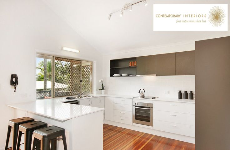 [Student Interior of the Week]  Kellie Douglas, Graduate from IDI has designed this contemporary kitchen.  She had to quickly design the space due to the old kitchen being flooded a week before the house was to go on the market!  You can view more of her work via her blog: http://contemporaryinteriorssunshinecoastqld.blogspot.com.au