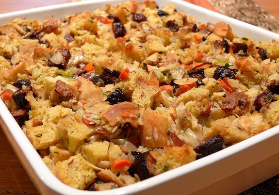 Fig-and-Almond Bread Stuffing with Fennel | Noble Pig