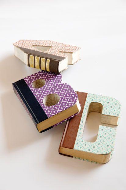 Deko Buchstaben aus Büchern