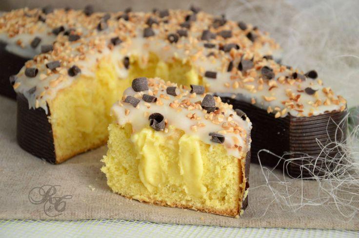 Ho preparato la torta colomba al limone utilizzando come base l'impasto classico della torta margherita aromatizzato al limone. Ho farcito poi il dolce ...