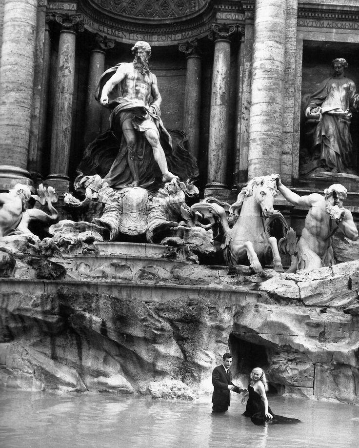 Afbeeldingsresultaten voor trevi fontana anita