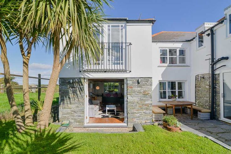 Little Towan - A Cornish, self catering beach holiday house to rent at #ConstantineBay, just a short drive from #Padstow #Cornwall