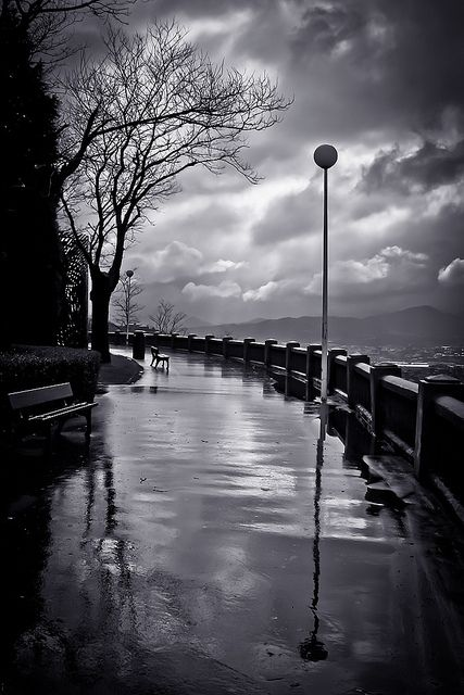 Reflections on the walkway ~ photographer Lui G. Marín  #photography