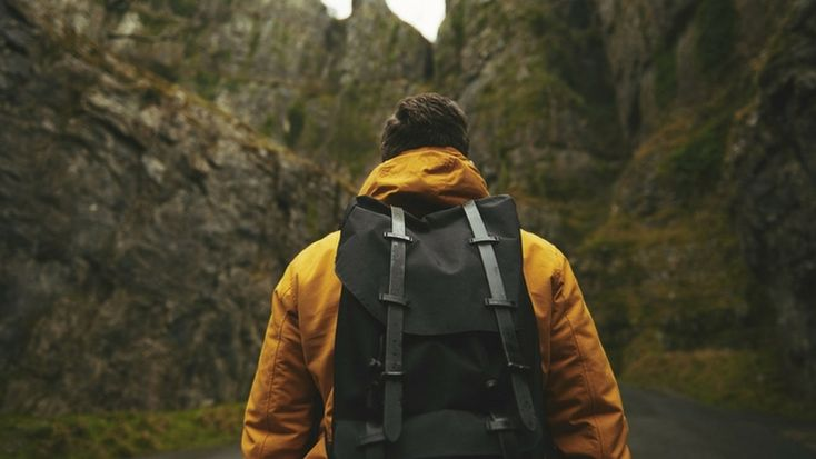 7 Must-Haves for All The Travel Junkies #travel #hiking
