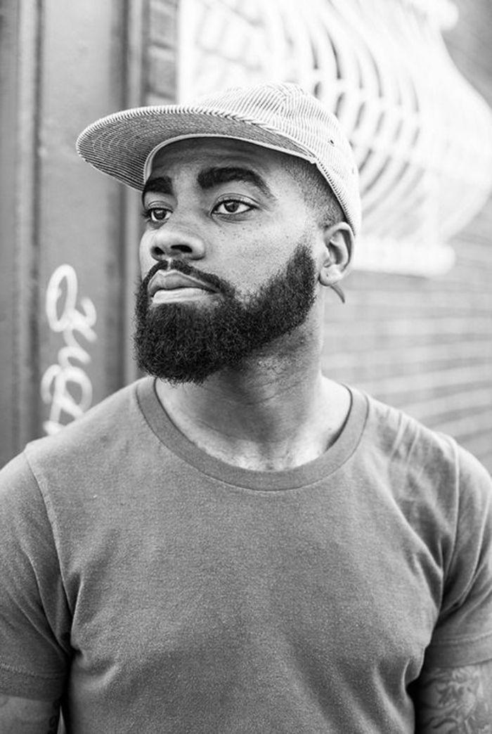 tipos-de-barbas-hombre-barba-larga-foto-blanca-y-negra-estilo-moderno