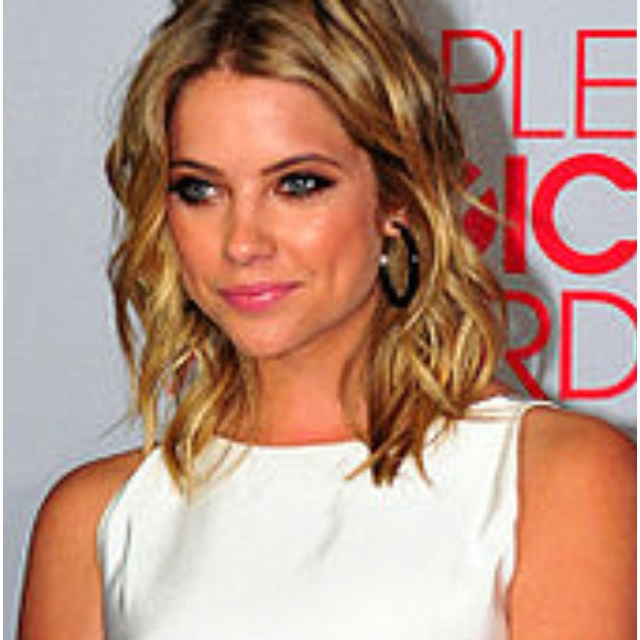 As I grow out my bob...add some waves!  LOVE this style  Ashley Benson