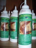 Клей Д3, Цена: 35.00 грн. / 4.38 $  Дисперсионный однокомпонентный клей для дерева. Применяется при внутренних работах для склеивания в условиях с коротким временным склеивающим моментом.