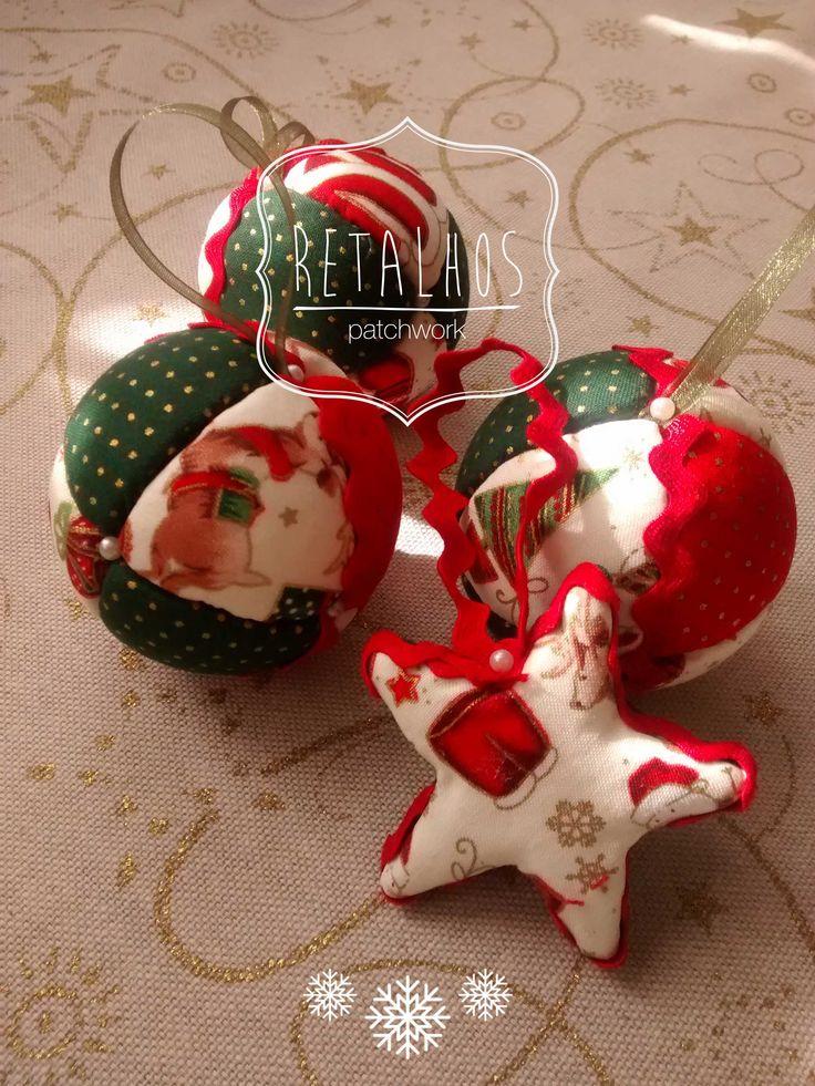 #christmas #ornaments #patchwork balls 18,5cm and star 6cm / #decorações de #Natal em patchwork