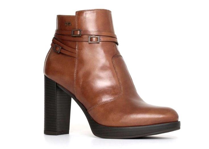 #NeroGiardini #A719143D #Cuoio #Stivali alla #Caviglia #Donna Con #Plateau Articolo: A719143D Colore: Cuoio Materiali:Esterno in Pelle, Interno Pelle, Suola gomma.  Paga comodamente alla consegna.  Per info e acquisti https://www.scarpe-moda.com/nero-giardini-a719143d-cuoio-stivali-alla-caviglia-donna-con-plateau-p-3088.html