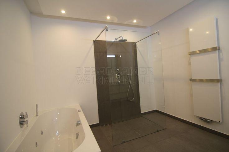 25 beste idee n over tegels in de badkamers op pinterest metro tegels badkamers metrotegel - Doucheruimte idee ...