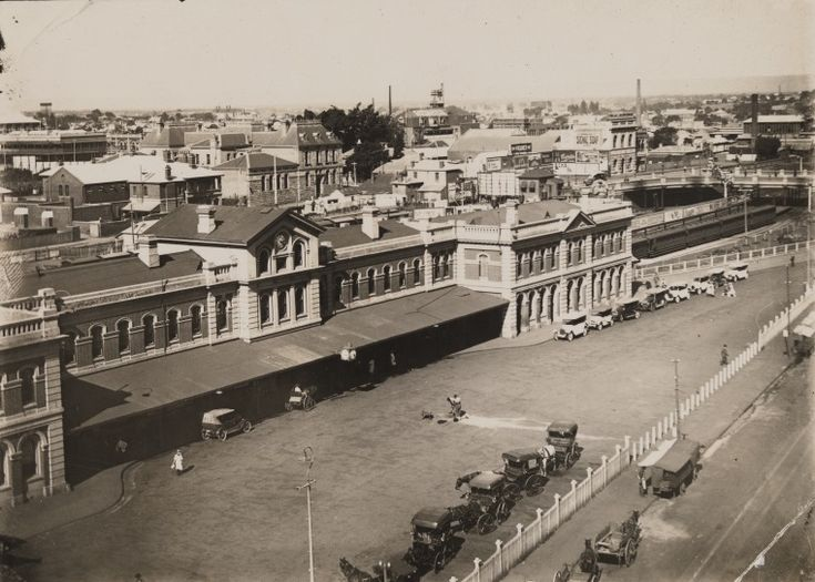 BA2843/121: View over the Perth Railway Station north east to Roe Street and the Police Court buildings, ca.1923.  http://encore.slwa.wa.gov.au/iii/encore/record/C__Rb4879470__SBA2843Lw%3D%3D121__Orightresult__U__X3?lang=eng&suite=def