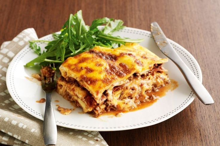 For a variation on the usual lasagne try this mushroom and prosciutto filling instead.