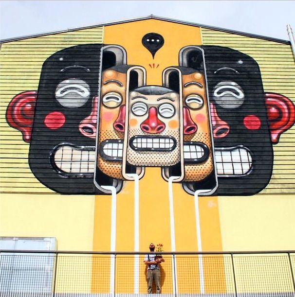Mr.Thoms with his finished piece for Re_acto festival - Aquila, Italy - September, 2014 (LP)