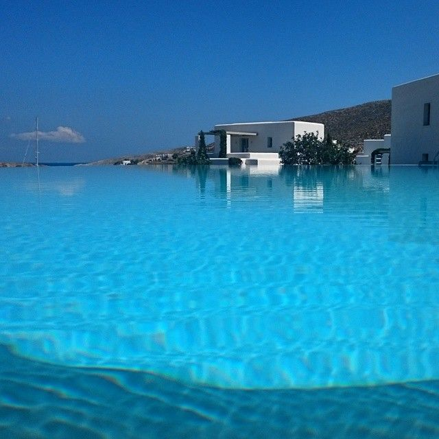 Infinity #pool... Amazing feelings! #AnemiHotel #Folegandros  Photo credits: @whatmywifesays