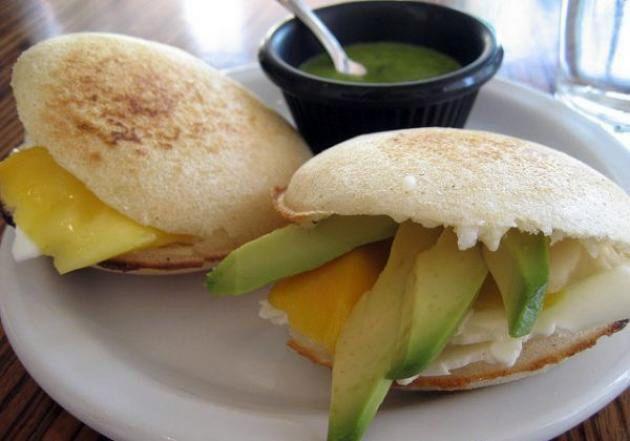 Deliciosas arepas de yuca para un desayuno rico en fibra