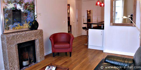 Apartment rental 1 bedroom Paris rue de Chateaubriand 8th District - Nearest metro George V