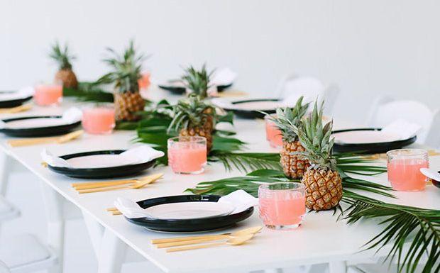 Une déco de table tropicale - L'été est là et vous avez envie d'organiser un petit dîner dans votre jardin avec vos amis... Et bien vous allez adorer la déco de table que nous vous prop