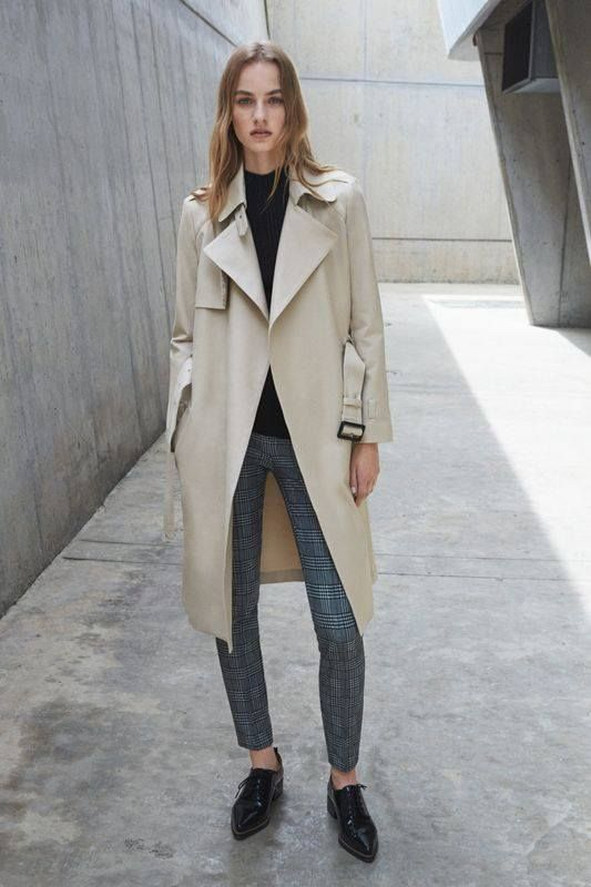 Trench    black turtleneck and loafers    grey skinny jeans   Chic Looks    Pinterest   Grey skinny jeans, Trench and Skinny jeans d0d1f5257978