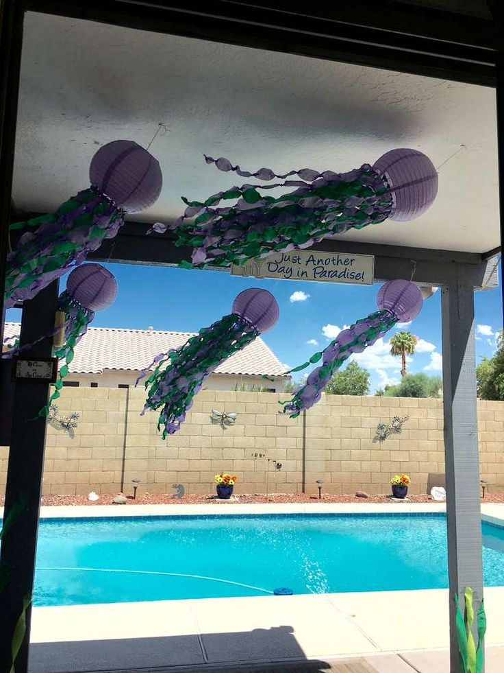 17 best ideas about jellyfish decorations on pinterest for Little mermaid fish tank decor