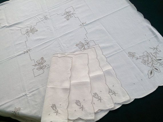A 5 Piece Vintage Small Square Embroidered Tablecloth and 4 Matching Napkins Set. Ivory Linen with Grey Needlework, Scalloped Edge RBT0493
