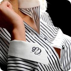 Camasile din colectia de haine Catalin Botezatu sunt realizate 100% din bumbac de cea mai buna calitate. Realizata cu un croi modern aceasta camasa cu dungi verticale accentueaza senzatia de feminitate conferita de aceasta camasa. Camasile Catalin Botezatu reprezinta alegerea ideala daca va doriti nu doar un produs care sa arate bine ci si un obiect vestimentar care sa va ajute in orice moment al zilei. Din colectia de haine ale celebrului designer, colectia de camasi Botezatu