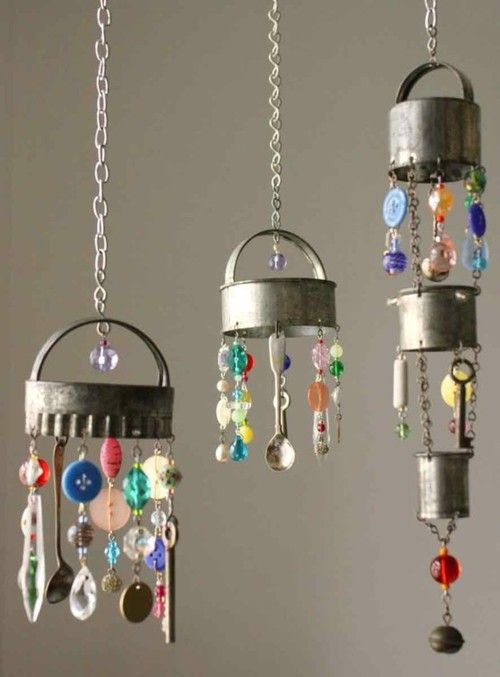 Cool little wind chimes from biscuit cutters and the kind of miscellaneous crap I have everywhere.