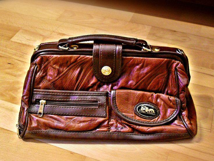 ausgefallene+70er+Jahre+Leder+Handtasche+Italien+von+Mont+Klamott+-+seltene+Vintage+Einzelstücke:+Liebzuhabendes,+Verspieltes,+Tickendes,+Klunkerndes,+Zauberhaftes,+Antikes,+Kurioses,+Schmuck+&+Uhren++auf+DaWanda.com