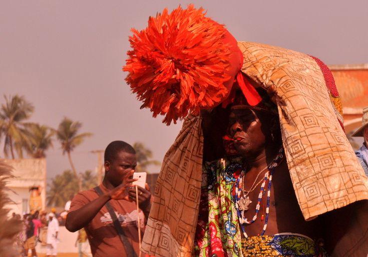 Festival Vodoo Internazionale di Ouidah in Benin feticci riti e simboli vodoo