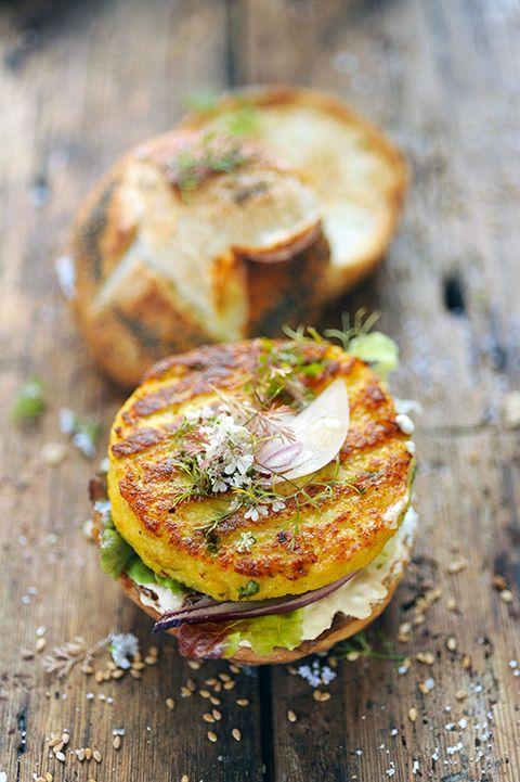Dorian cuisine.com Mais pourquoi est-ce que je vous raconte ça... : Le vendredi c'est No Meat Today... Petits burgers végétariens pompompom de terre et chou-fleur !
