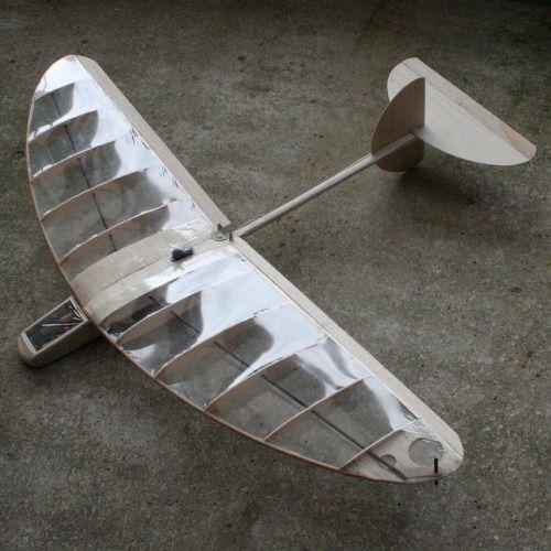 ondrejmitas:  Carl Dowdy Bug.   #kinetic #sculpture #sky #fly #flight #rc #air #art #airplane #aviation #engineering #balsa #wood #carbon #natural #nofilter #dlg #design