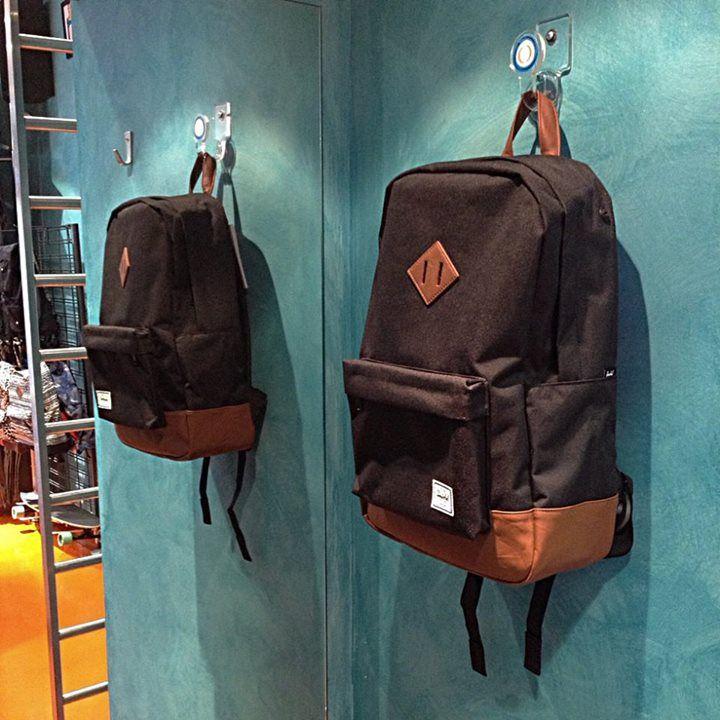 Un clásico elegante funcional y adaptable a cualquier situación. Las mochilas más chulas en Roundtrip Plaza San Bruno 12 BURGOS. Online Store http://ift.tt/1IhL4BB