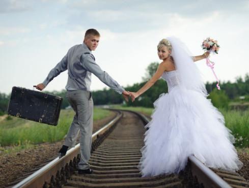 Valigia Portaconfetti Trasparente - Prodotti Tema Viaggio - Shop Per Tema - accessori e gadget per matrimoni e feste - E-speciale