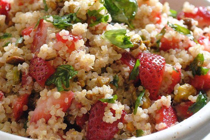 """How to Make Strawberry Basil Quinoa Salad (""""Masterchef Junior"""" Worthy)! #30secondmom"""