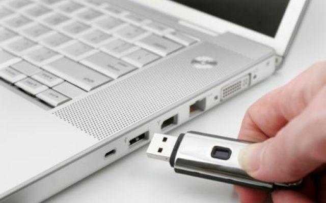 Chiavette USB non riconosciute? Vediamo come risolvere Ecco come procedere nel caso alcunidati della pen drive non sono piu` accessibili da Esplora Risorse di Windows.Con il fix giusto basta poco per recuperare facilmente file e cartelle che credevamo  #pendrive