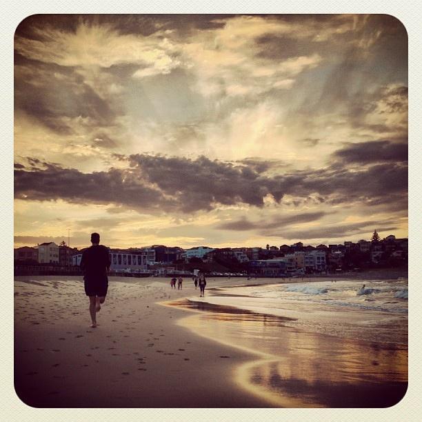 Bondi Shoreline Sunrise #sunrise #atbondi #bondi #beach #shore #morning  #sydney #australia #sky