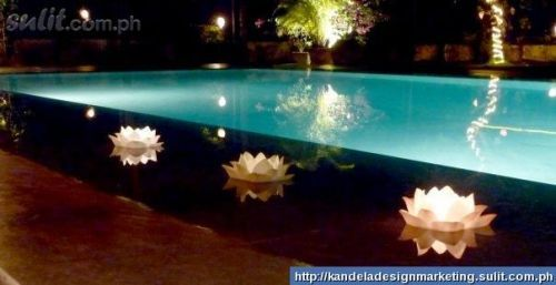 Floating candles for swimming pool decor pinterest wedding pools and country weddings for Floating candles swimming pool wedding
