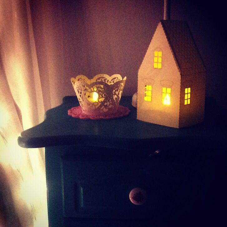 Bluff cute paper House