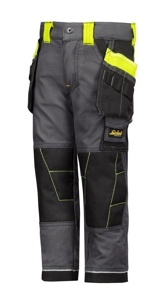 Junior work trousers are the perfect pair of trousers to #play hard in. With all the features you love from Snickers Workwear, like holster pockets and reinforced knees and ankles. A true icon, just a few sizes smaller! Available in sizes 98-140. - Snickers Workwear Artnr. 7501