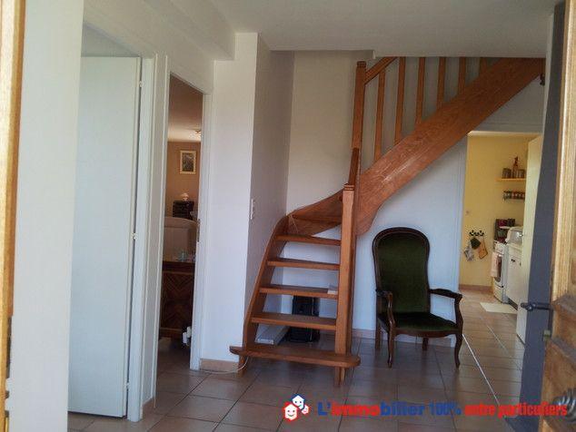 pingl par l 39 immobilier 100 entre particuliers sur escaliers et vestibules stairs. Black Bedroom Furniture Sets. Home Design Ideas