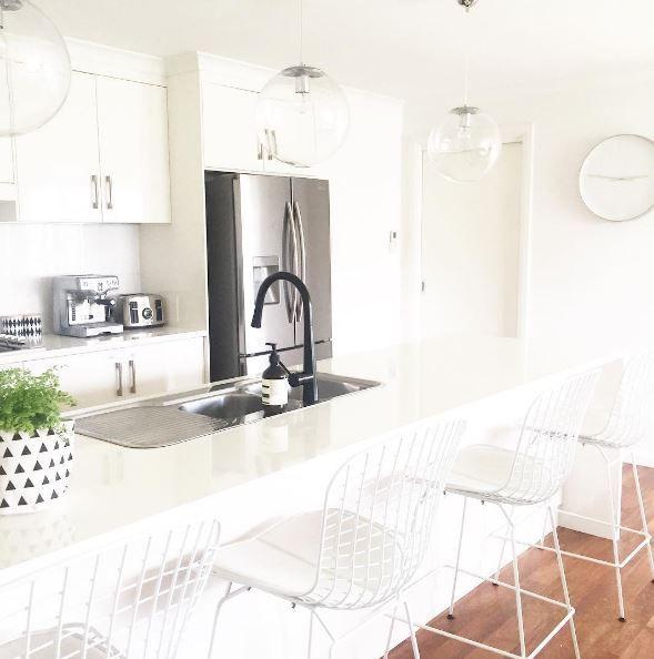 Replica Bertoia Wire Kitchen Stool 64cm - White Powdercoat