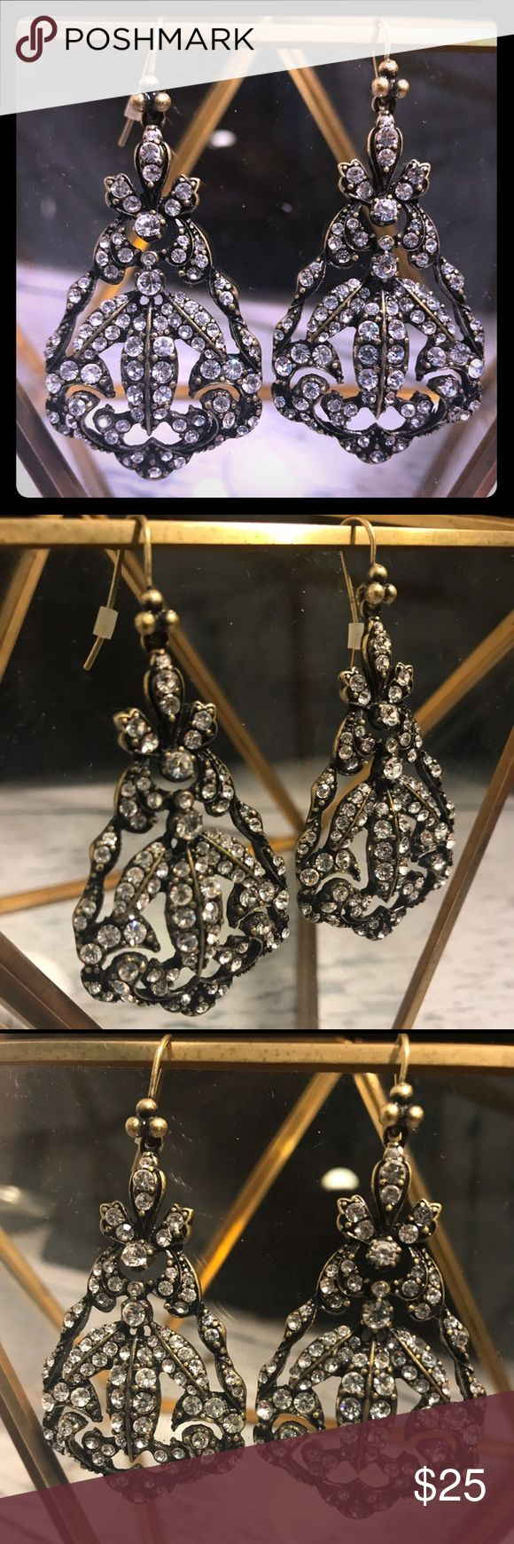 🆕 NEVER WORN! Vintage inspired chandler earrings! 🆕 NEVER WORN! Vintage inspired chandler earrings! Lydell NYC from NEIMAN MARCUS lydell nyc Jewelry Earrings