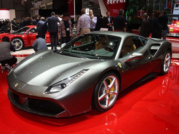 Ferrari 488 GTB : 100 km/h en 3 secondes chronoComme l'an dernier,Ferrari débarque à Genève avec une nouvelle bombinette dans ses valises. Si la ligne de cette 488 GTB a de quoi séduire, elle assure aussi côté performances, avec un V12 de 670 chevaux sous le capot, pas très loin du modèle le plus puissant de la marque au cheval cabré, la F12 Berlinetta et ses 740 chevaux. Résultat, les 100 km/h sont atteints en seulement 3 secondes, et les 200 km/h en 8,3 secondes !Comparateur assurance…