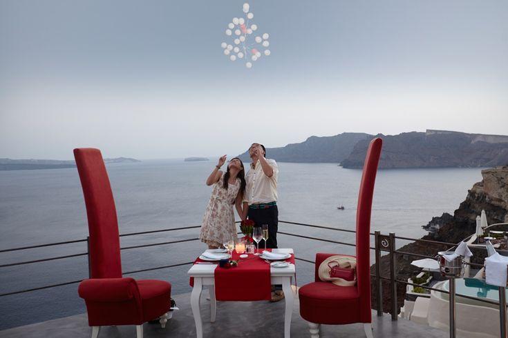 Santorini marriage proposal balloons