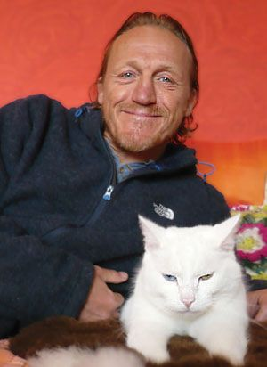 Actor and singer Jerome Flynn tells us about his love of cats — and their bigger cousins too.