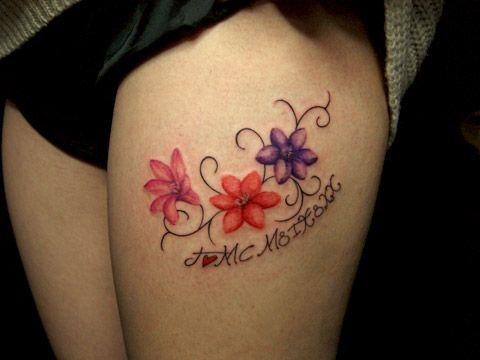 東京・渋谷のタトゥースタジオ TIFANA TATTOO,TOKYO 花・植物のモチーフを女性の太腿(脚)用にデザインしたガールズタトゥー flower tattoo design for girl