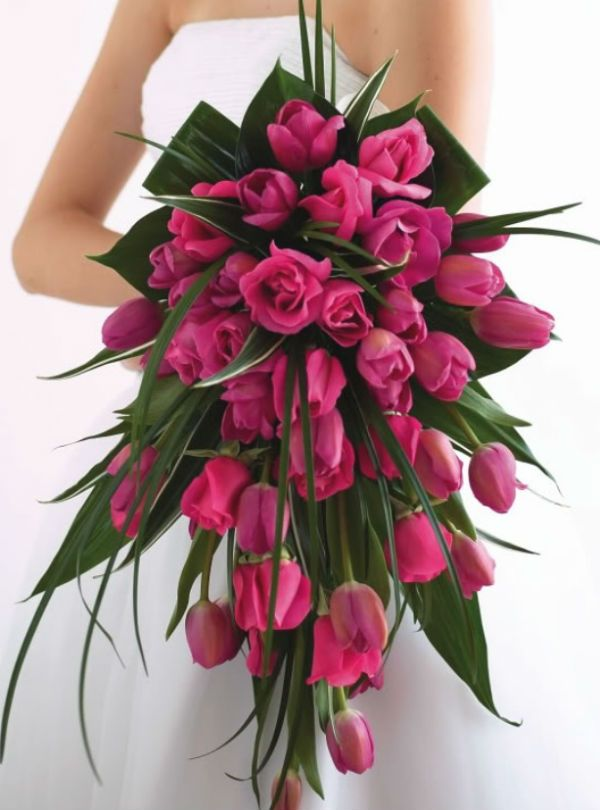 les 25 meilleures id es concernant bouquet de tulipes sur pinterest bouquet de mariage de. Black Bedroom Furniture Sets. Home Design Ideas