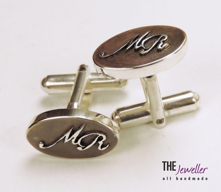 Butoni de cămașă ovali vintage din argint 925 personalizaţi cu litere în relief #http://www.pinterest.com/giuliajewellery/